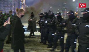 Strajk Kobiet. Starcia z policją. Funkcjonariusz nie chciał się wylegitymować