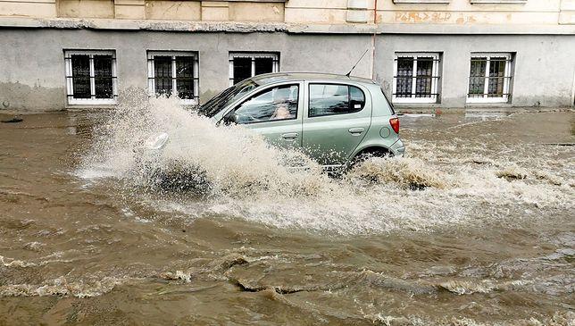 Pogoda. W czwartek przez Polskę przeszły silne burze