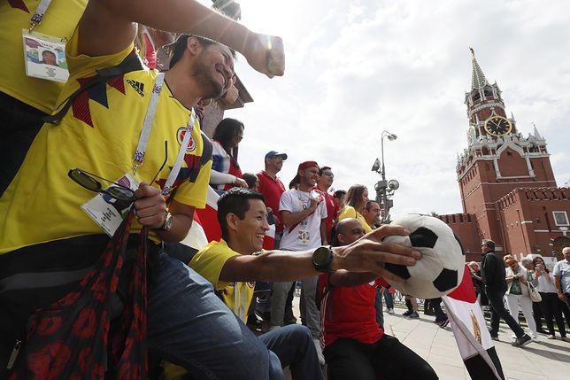 Kibice świętują Mundial 2018 na Placu Czerwonym w Moskwie