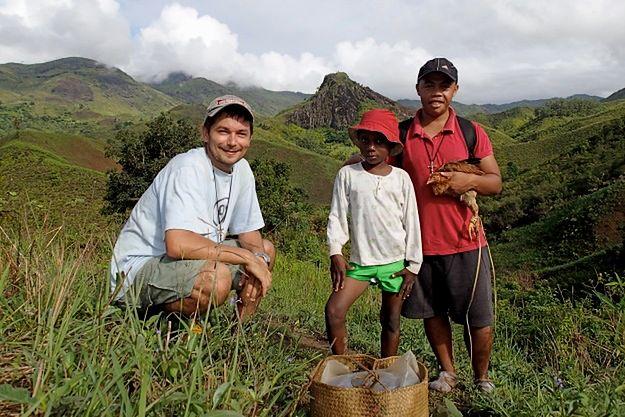 Wyślij kurę... na Madagaskar! Niezwykła akcja księdza z Poznania