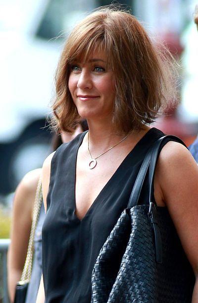Jennifer Aniston w mało gustownym uczesaniu