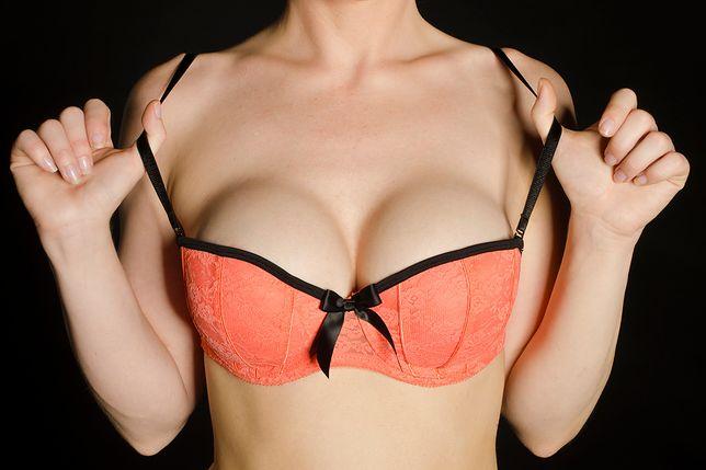 Posiadaczki dużych piersi powinny pamiętać, że kluczowym elementem dbania o biust jest odpowiedni dobór biustonosza