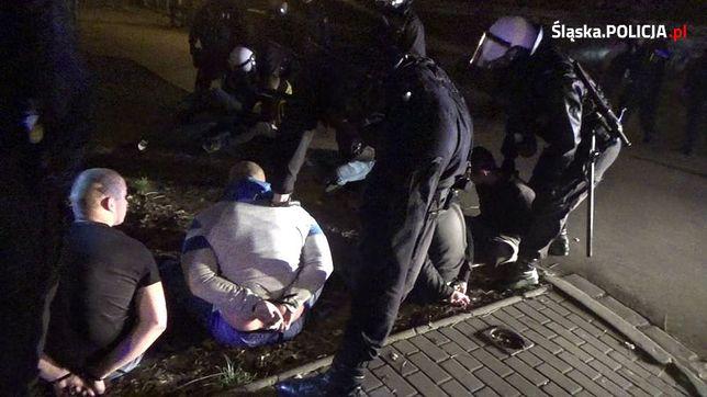 Błyskawicza akcja katowickiej policji: zatrzymano 10 pseudokibiców
