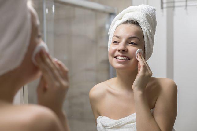 Oczyszczanie twarzy. Wypróbuj sprawdzone domowe sposoby na gładką i czystą skórę