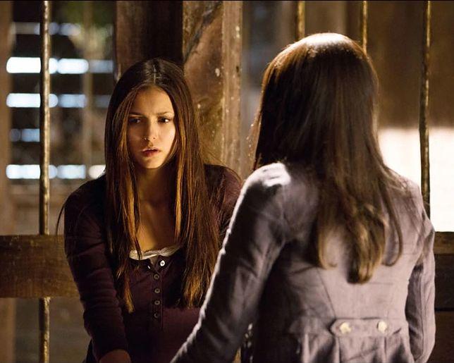 Pamiętniki wampirów sezon 4, odcinek 1: Ból przemiany (Growing Pains)