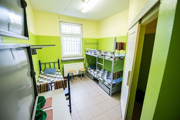 Rząd chce nauczyć więźniów pracować