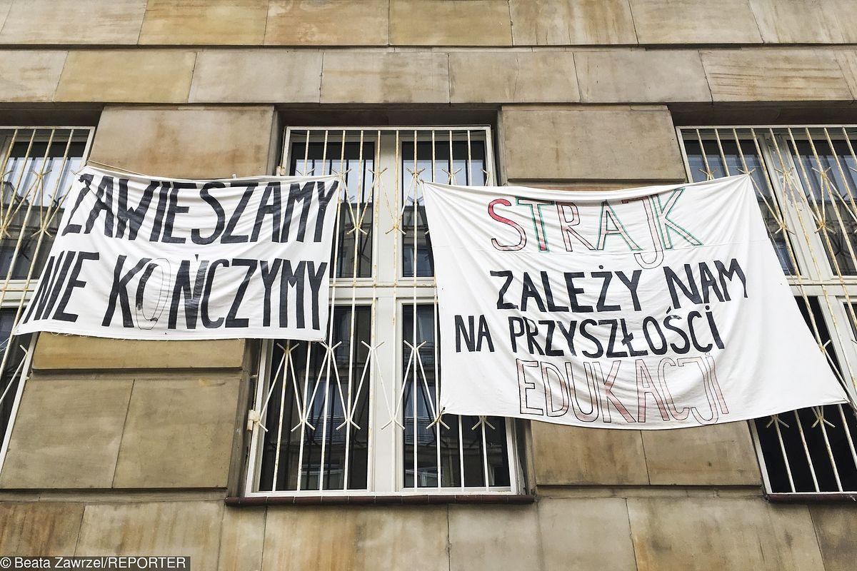 Strajk włoski nauczycieli. Październik? Część nieoficjalnie prowadzi go już od września