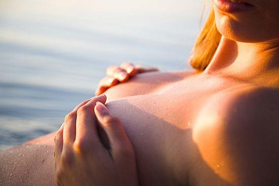 Sąd: kobiety opalające się topless są niewinne