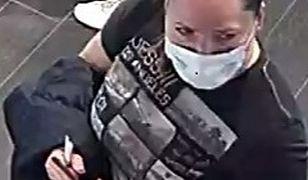 Warszawa. Policja szuka kobiety podejrzanej o kradzież. Publikuje wizerunek