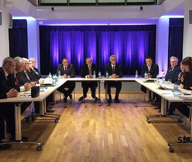 Efekty pracy komisji smoleńskiej kiełkują za granicą
