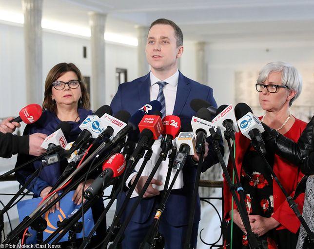 O złożeniu wniosku poinformował poseł PO Cezary Tomczyk