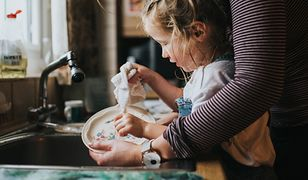 Walczą o pracę i powrót do normalności. Pandemia koronawirusa uderzyła najmocniej w kobiety