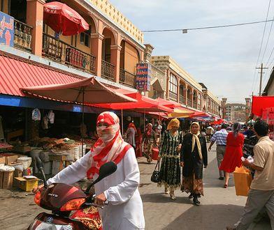 Chiny dyskryminują muzułmanów. Każą leczyć się szpitalnie wyznawcom islamu