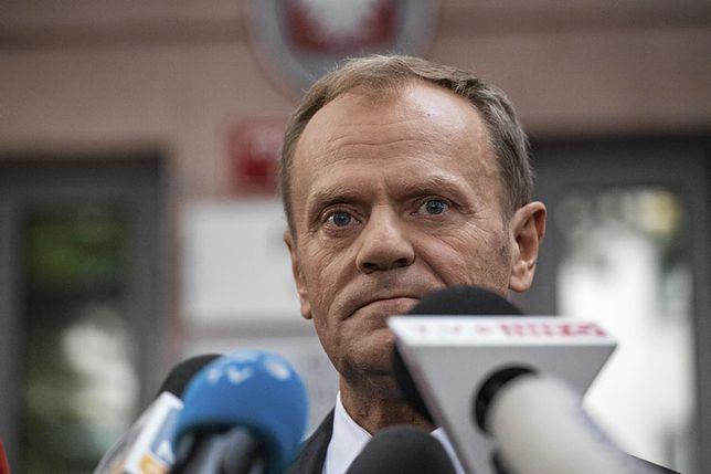 Donald Tusk na przesłuchaniu w Warszawie