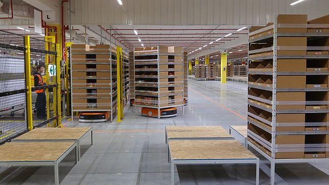 Amazon wprowadził pierwszy taki system w Europie - zrobotyzowane centrum logistyczne