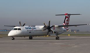Poznań. Awaryjne lądowanie samolotu Bombardier Q400