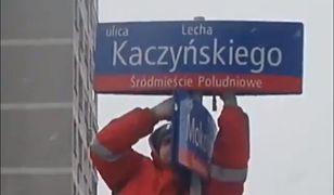 Koniec ulicy Lecha Kaczyńskiego w Warszawie, wraca aleja Armii Ludowej. Prezydent Trzaskowski poszuka nowego miejsca dla patrona