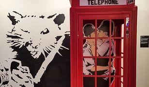 Jego obrazy sprzedają się za miliony funtów. Banksy z wystawą w Warszawie