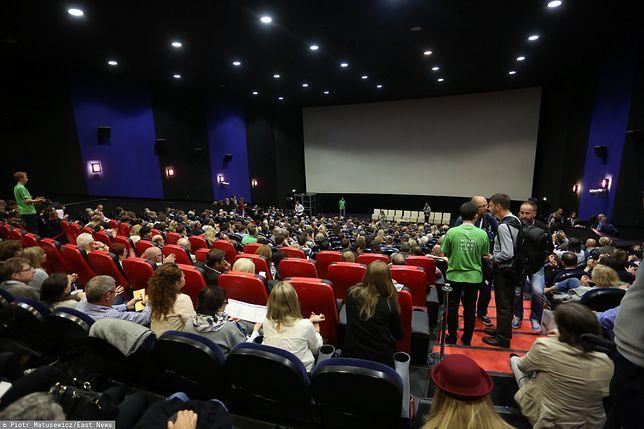 Pełne sale kinowe to niespotykany widok w czasie pandemii.