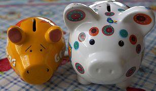 Sprawa obdarowywania dzieci pieniędzmi wciąż budzi kontrowersje wśród rodziców