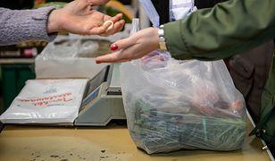 Plastik nie musi być zawsze zły. Przekonały się o tym np. brytyjskie supermarkety