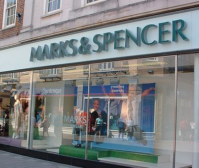 Klientka się skarży, Marks&Spencer przeprasza. Poszło o biustonosz