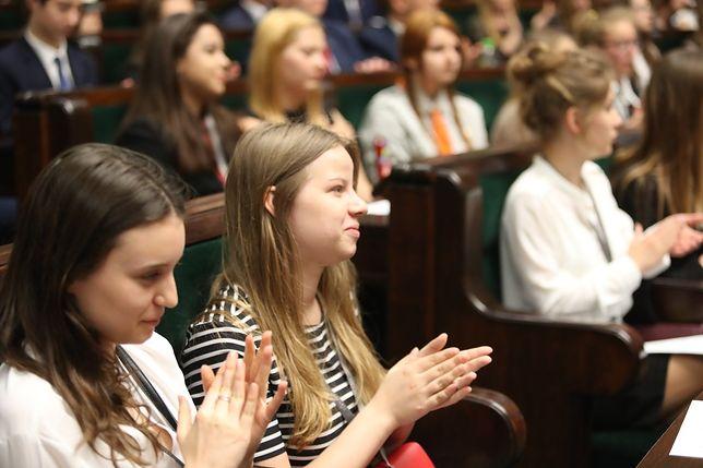Lech Wałęsa ostro skomentował Sejm Dzieci i Młodzieży. Ostre słowa do Anny Zalewskiej