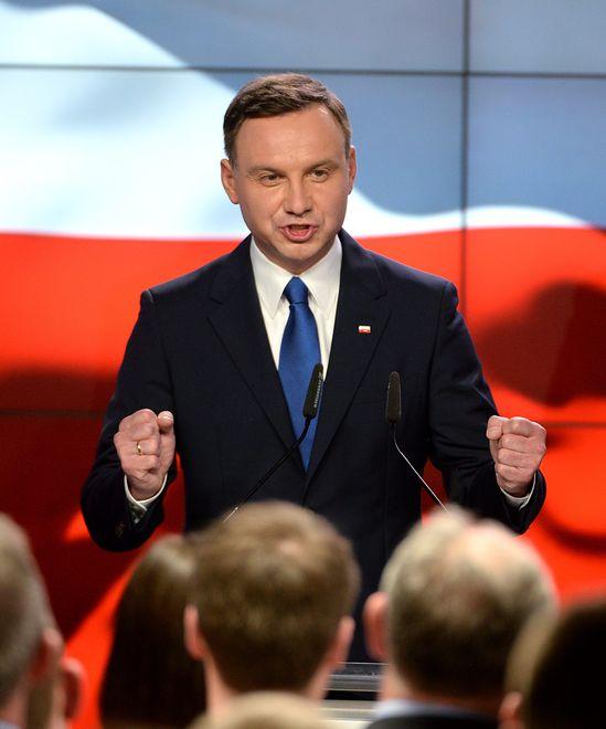 Najnowszy sondaż: Andrzej Duda w II turze wygrałby z Donaldem Tuskiem i Robertem Biedroniem