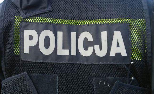 Pijany 35-latek zaatakował siekierą policjantów z Miastka