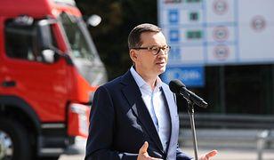 Premier Mateusz Morawiecki został Człowiekiem Roku Forum Ekonomicznego w Krynicy. Na zdjęciu polityk podczas konferencji prasowej w ramach kampanii wyborczej do Sejmu.