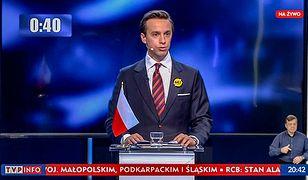 Krzysztof Bosak z Konfederacji podczas debaty europarlamentarnej w TVP Info