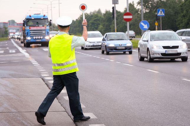 """Rozpoczęła się akcja """"listopadowy weekend"""". Ponad 5000 funkcjonariuszy skontroluje prędkość polskich kierowców."""