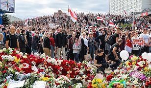 """Białoruś. Wielotysięczna manifestacja w Mińsku. """"Odejdź!"""""""