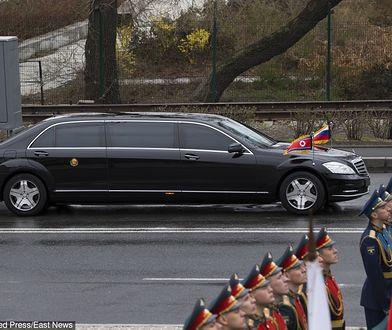 Kim Dzong Un korzysta z limuzyn niemieckiego koncernu. Na zdjęciu Mercedes S600 Pullman Guard