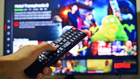 """Netflix zyska """"losowanie filmów"""" – nowość dla niezdecydowanych"""