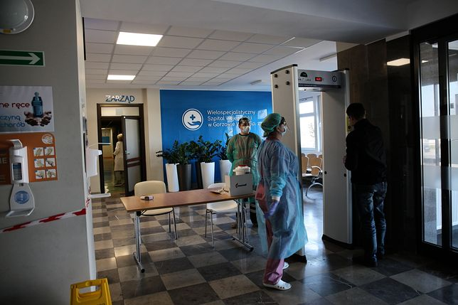 """Koronawirus w Polsce. Waldemar Kraska: """"Nowe procedury w szpitalach. Będą specjalne strefy"""""""