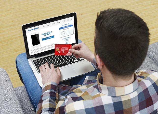 Pożyczka przez internet to podwójna oszczędność czasu - proces jest krótki i szybko otrzymujemy pieniądze