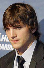 Ashton Kutcher z młodszą o rok