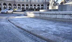 Mróz w Rzymie odstrasza turystów (Piazza della Repubblica, 7 stycznia)