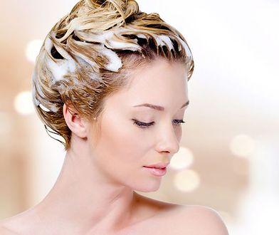 Proste sposoby na regenerację włosów w domu