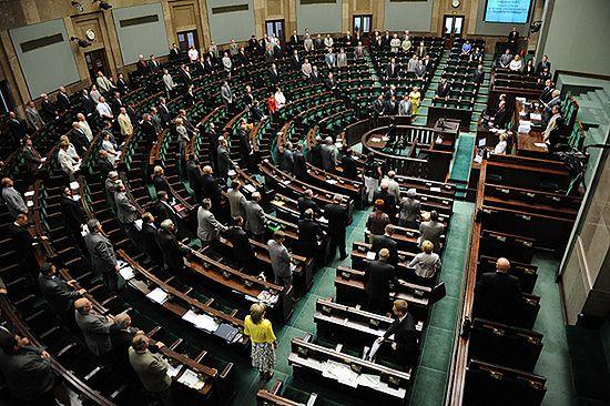 Sejm uchwalił nowelizację ustawy budżetowej