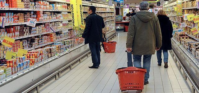 Niespodziewany skutek rosyjskiego embarga. Polscy klienci oszczędzają na żywności