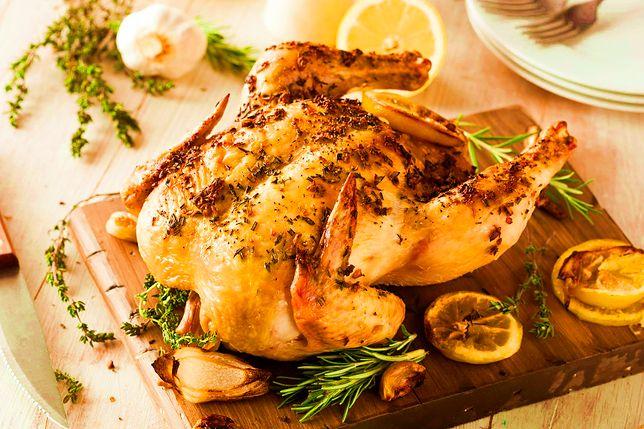 Kurczak w ziołach pieczony w całości