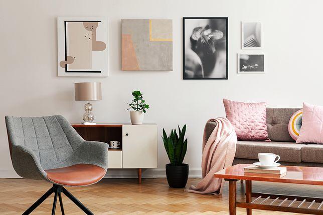 Nowoczesna aranżacja salonu pozwala wydobyć wszelkie atuty wnętrza