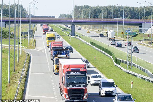 """Kierowcy ciężarówek zapowiadają strajk. Ma być odpowiedzią na akcję """"TIR"""""""