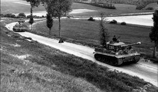 Michael Wittmann w swoim czołgu w północnej Francji
