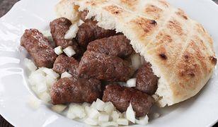 Danie mięsne, które pokochali mieszkańcy z krajów bałkańskich