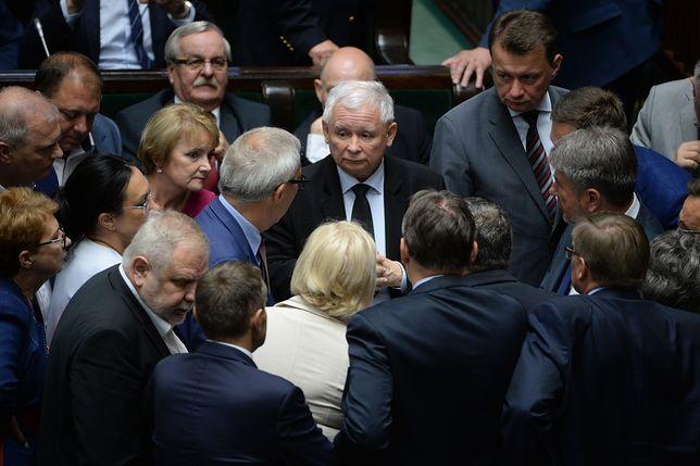 Wiadomo, co Kaczyński miał powiedzieć swoim posłom po wecie. Oto plan PiS