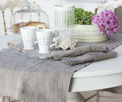 Trudno wyobrazić sobie strefę jadalną bez stołu, przy którym można się spotkać. Najlepiej, jeśli jest on rozkładany.