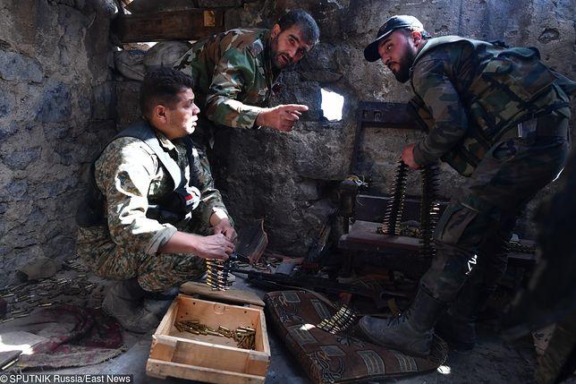 Żołnierze syryjscy podczas walk o obóz Jarmuk pod Damaszkiem